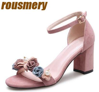 0acffab44b7a Summer Fashion Suede Leather Flowers Women Open Toe Sandals Elegant Light Pink  Ladies Chunky Heel Sandals Sexy Wedding Shoes-in Women s Sandals from Shoes  ...