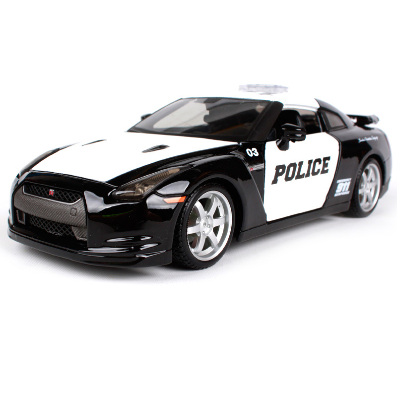 Maisto 1:24 2009 GTR35 white car diecast for Nissan police open car doors car model motorcar diecast for men collecting 32512