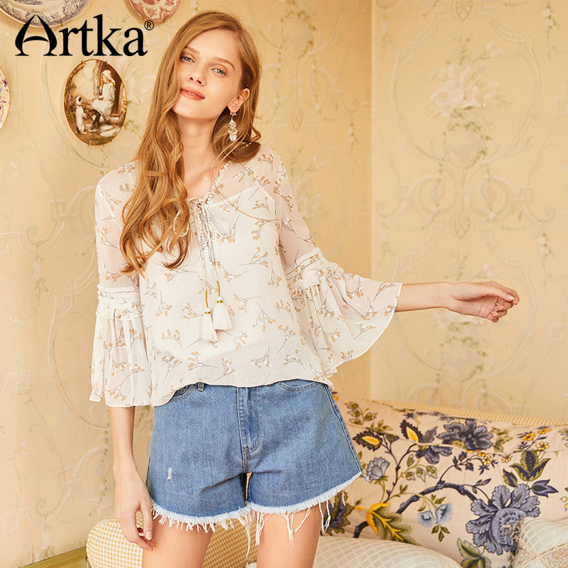 d371f82448 ARTKA 2018 Summer New Feamle A line Flashing Washed Denim Shorts Women  Solid Light Blue Simple All match Loose Shorts KN10784X-in Shorts from  Women s ...