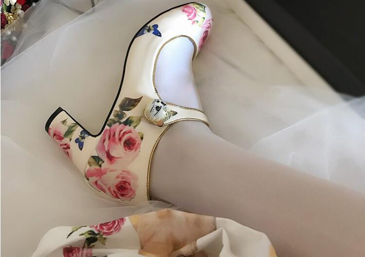 Top Quality brand pumps Rose print Retro Mary janes shoes 10 cm/6 cm high heels shoes women Cat buckle decor wedding bride shoes retro style strapless rose and figure print corset for women