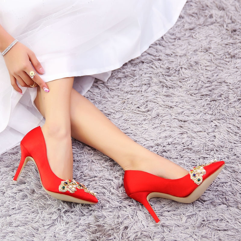 ФОТО 2017 Spring Hot Sexy Pointed Women Pumps Thin High Heels Shoes Red Crystal Decoration High-heeled Women Wedding Shoes Plus Size