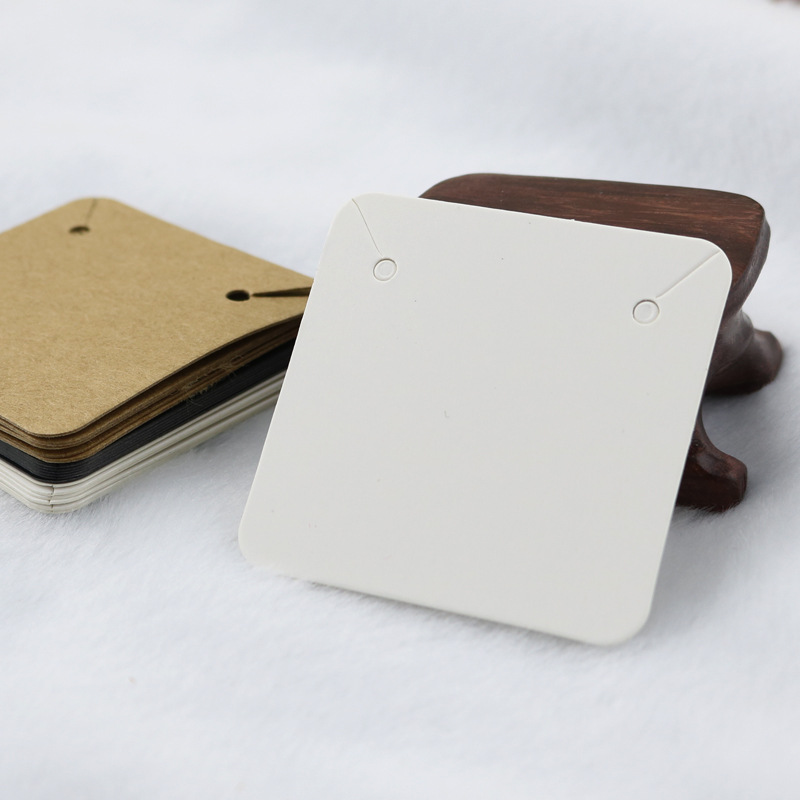 50pcs 5x5cm Blank Kraft Paper Necklace Diaplay Cards DIY Jewelry Making Accessories Necklace Label Tag Wholesale 3Colors