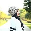 Новая Мода Красота Девушки Cap Шарф Женщин Женский Вязаные Цветочные Hat Девушка Головные Уборы Украшения Осень Капот Теплая Шапочка
