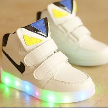 Hot-selling 2018 New Fashion Children Shoes With Light Kids Soft Bottom LED Ligh