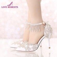 8752a0c386 Rhinestone Buckle Correias Branco Sapatos de Casamento Do Dedo Do Pé  Apontado 3 Polegadas Confortável Festa Nupcial Sapatos de D..