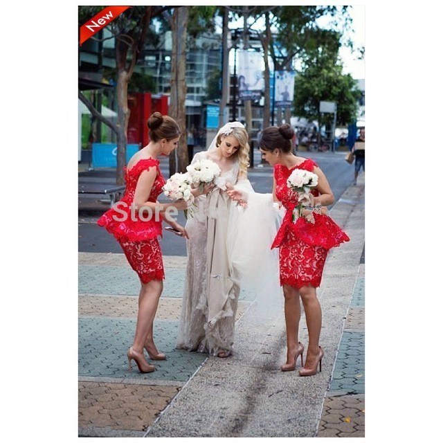 Free shipping red lace bridesmaid dresses Sexy backless ruffles knee-length party prom gown sexy handmade short sheath 2015 new