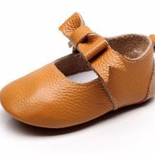 Модная обувь с бантом в стиле «Мэри Джейн»; обувь для девочек из мягкой натуральной кожи для новорожденных ручной работы, для тех, кто только начинает ходить, детские мокасины мягкие подошвы туфли в стиле «Принцесса»