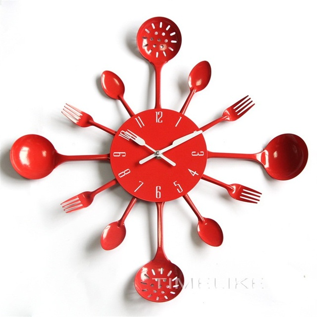 Cutlery Design Metal Kitchen Wall Clock with Colorful Spoon Fork Wall Watch for Decoration Horloge Murale Design Moderne