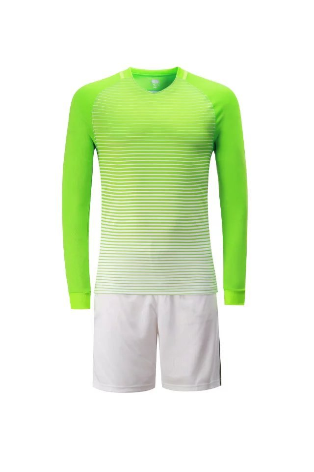 Custom Team Training Football Outfit Kids 2017 Long Sleeve Soccer Jersey  Kids Boy s Soccer Uniforms Shorts Breathable Sportswear-in Soccer Sets from  Sports ... 2060ba942