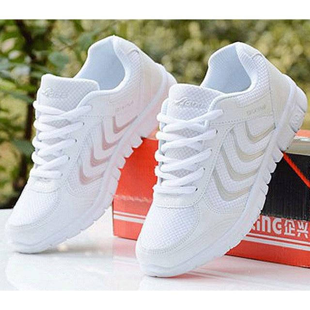 b7e6824f6 Mulheres sapatos casuais 2018 nova estrela verão moda respirável sapatilhas  sapatos tenis feminino do laço entrega