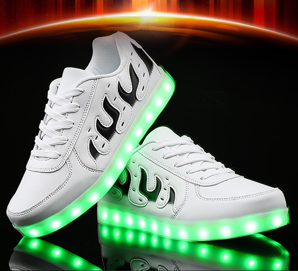 2017 Новый Светодиодный USB Зарядное Устройство Освещенные Shoes для Любителей Друзья Светящиеся Кроссовки Light Up Shoes Led Случайный Световой Кроссовки