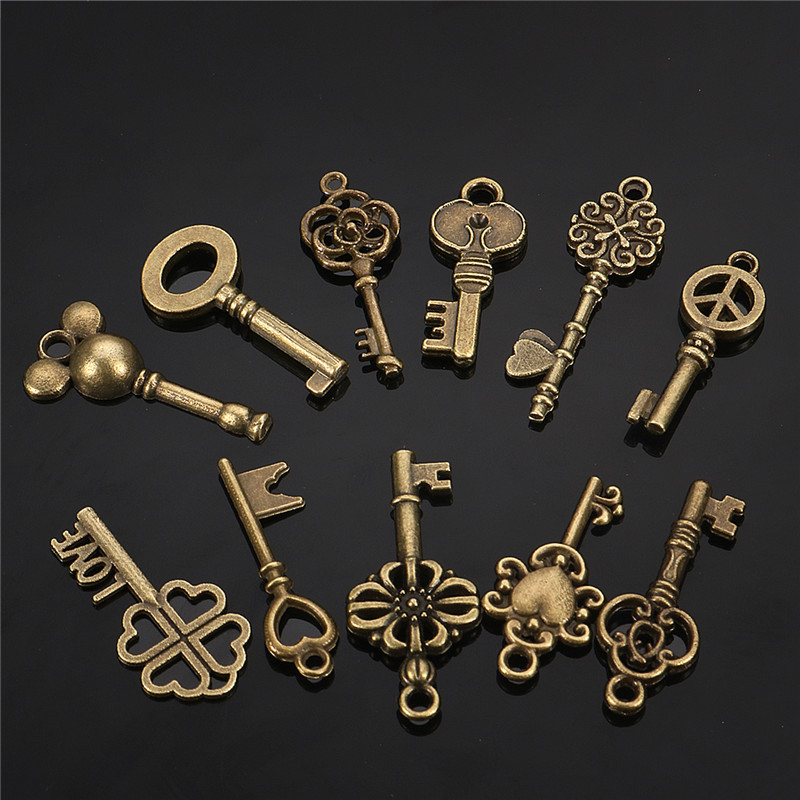 13Pcs Antique Vintage VTG Old Look Skeleton Keys Bronze Steampunk Pendants
