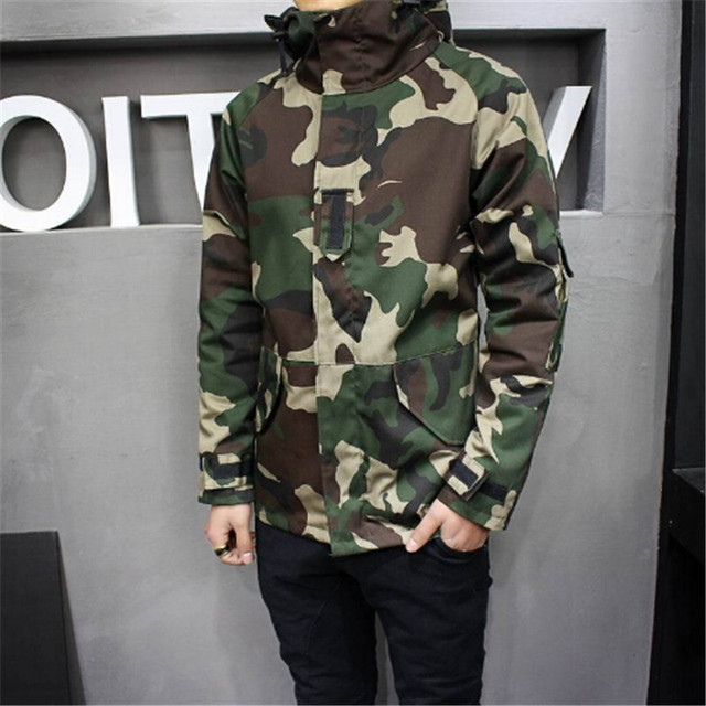 46d9a11582810 2017 High Quality Mens Camouflage Windbreaker Jacket Winter Spring Hooded Camouflage  Windbreaker Windproof Camo Windbreaker Coat