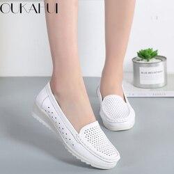 OUKAHUI Verão Oco Sapatos Brancos Para As Mulheres Enfermeiros Cunha Apartamentos Dedo Do Pé Redondo Slip-On de Couro Genuíno Respirável Das Senhoras Plana sapatos
