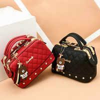2019 New Europe Fashion Trend Bag Female Handbag Fashion Girls Shoulder Bag Bear Pend Crossbody Bag High QualityCE