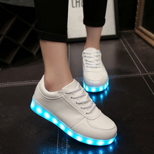 Hommes chaussures led lumière chaussures 2017 hot coloré hommes led chaussures pour adultes hommes casual chaussures