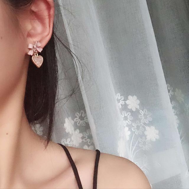 Lovely Heart Shaped Women's Drop Earrings with Bowknot