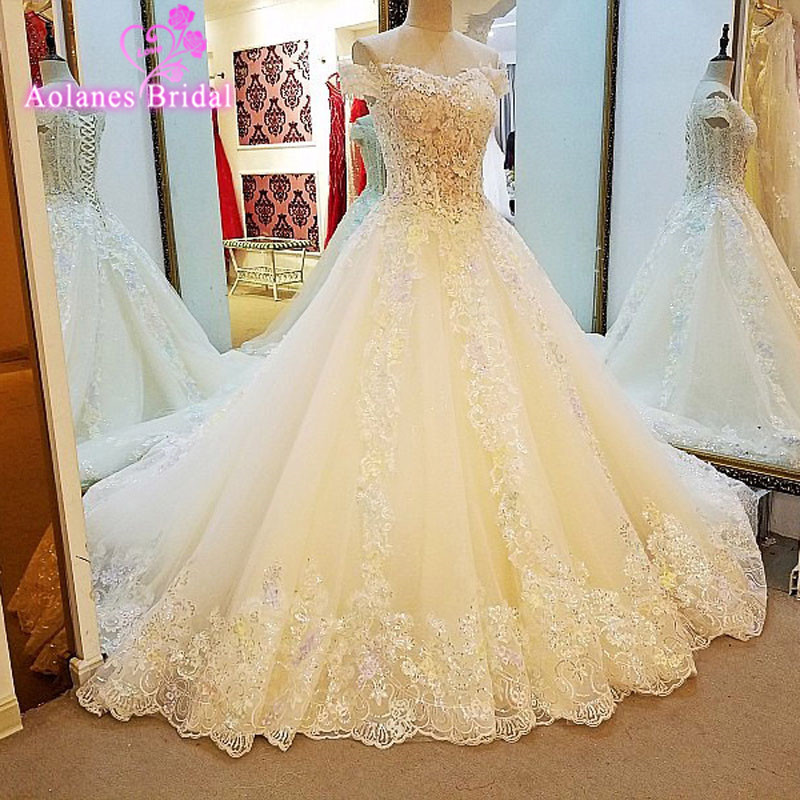 Real Pictures Ball Gown Bridal Dress Vintage Muslim Plus Size Lace Appliques Crystals Wedding Dress Sleeveless 2017 New Design