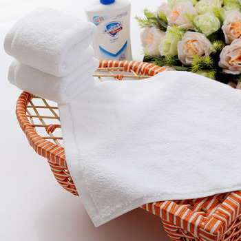 50pcs 30cm Square Customized Towel 100% Cotton White Face/ Hand Towel Wedding Hotel Spa Towel Barber Shop Embroidery Logo Name