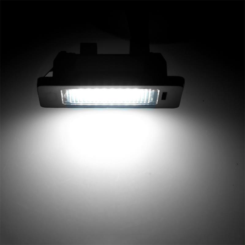 LED Car License Plate Light For BMW 3 series E90 Sedan E91 Touring E92 Coupe E93 Convertible M3 New LED License Plate Light
