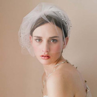 Short Bridal Hats Tulle Bride hats for Wedding Party Elegant Wedding Accessories In Stock