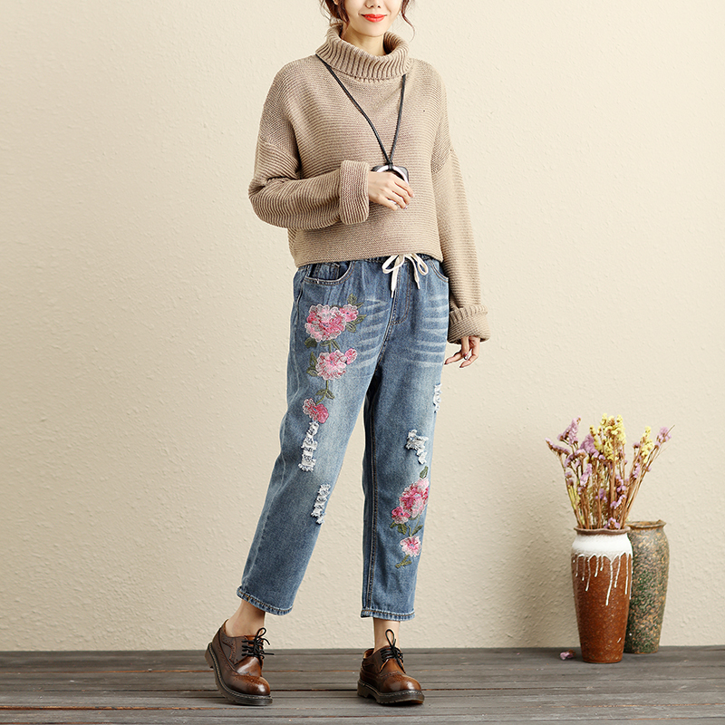 Flower Embroidered Jeans Woman Plus Size Loose Vintage Harem Pants Elastic Waist Ankle-Length Washed Ripped Denim Pants Trousers