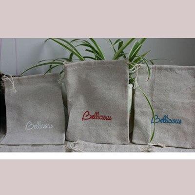 """100 sztuk spersonalizowane Logo płócienna torba 9x12cm (3 4/8 """"x 4 6/8"""") drukuj kupujący projekt lub firmy nazwa sklepu juty sakiewka na prezent w Pakowanie i ekspozycja biżuterii od Biżuteria i akcesoria na  Grupa 3"""