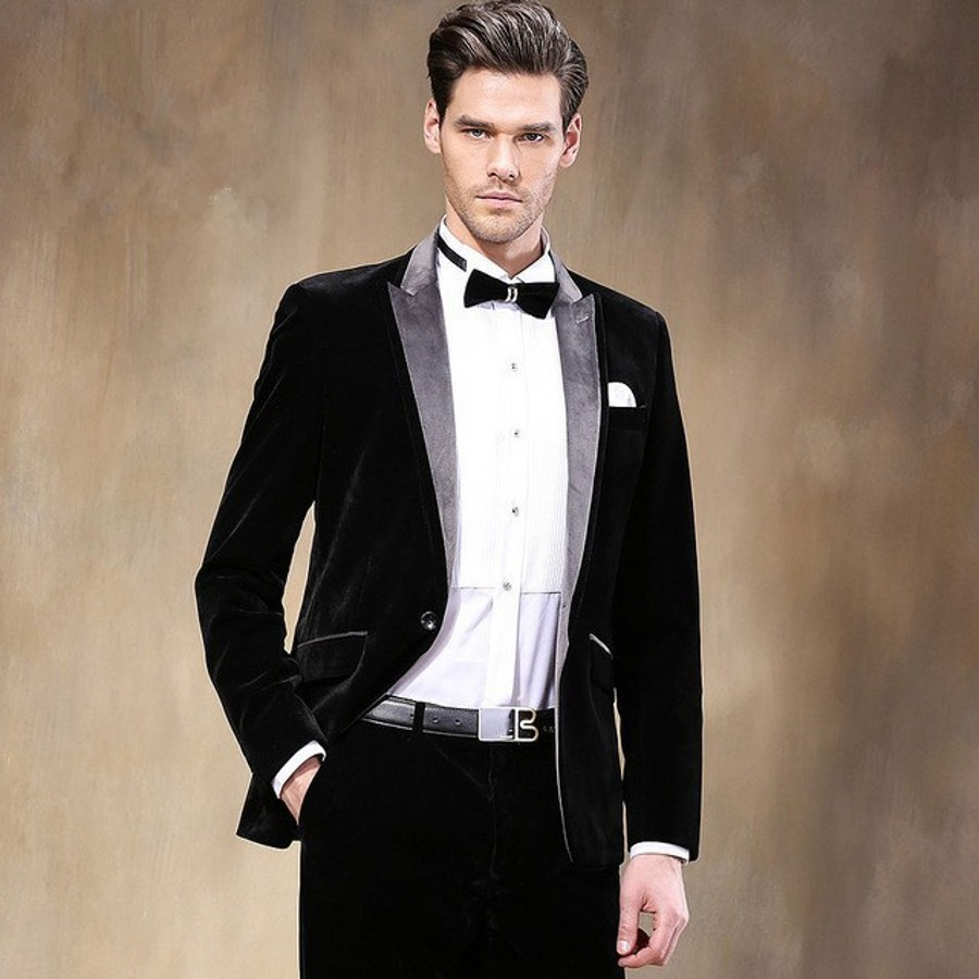 New Style Velvet Groomsmen Peak Lapel Groom Tuxedos Red/Black Men ...