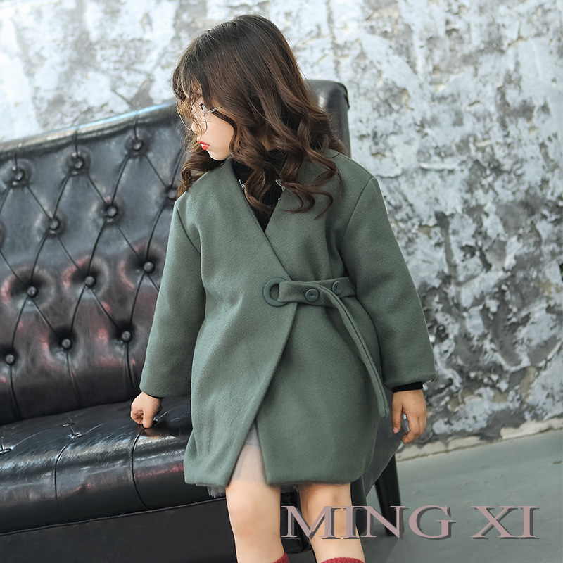 2017 autumn and winter new children's clothing girls jacket girl woolen coat V-neck belt decorated woolen jacket