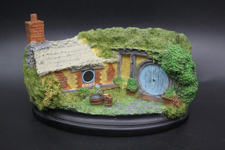 [Funny] Lord Of The Rings Toy Hobbit Knick Knack Hobbiton Bathilda NO.35 Figures Statue Toys Model Car & Fishbowl Ornament Gift