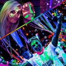 Темное флуоресцентная свечение краски составляют живописи пигмент пыли краска лицо искусства