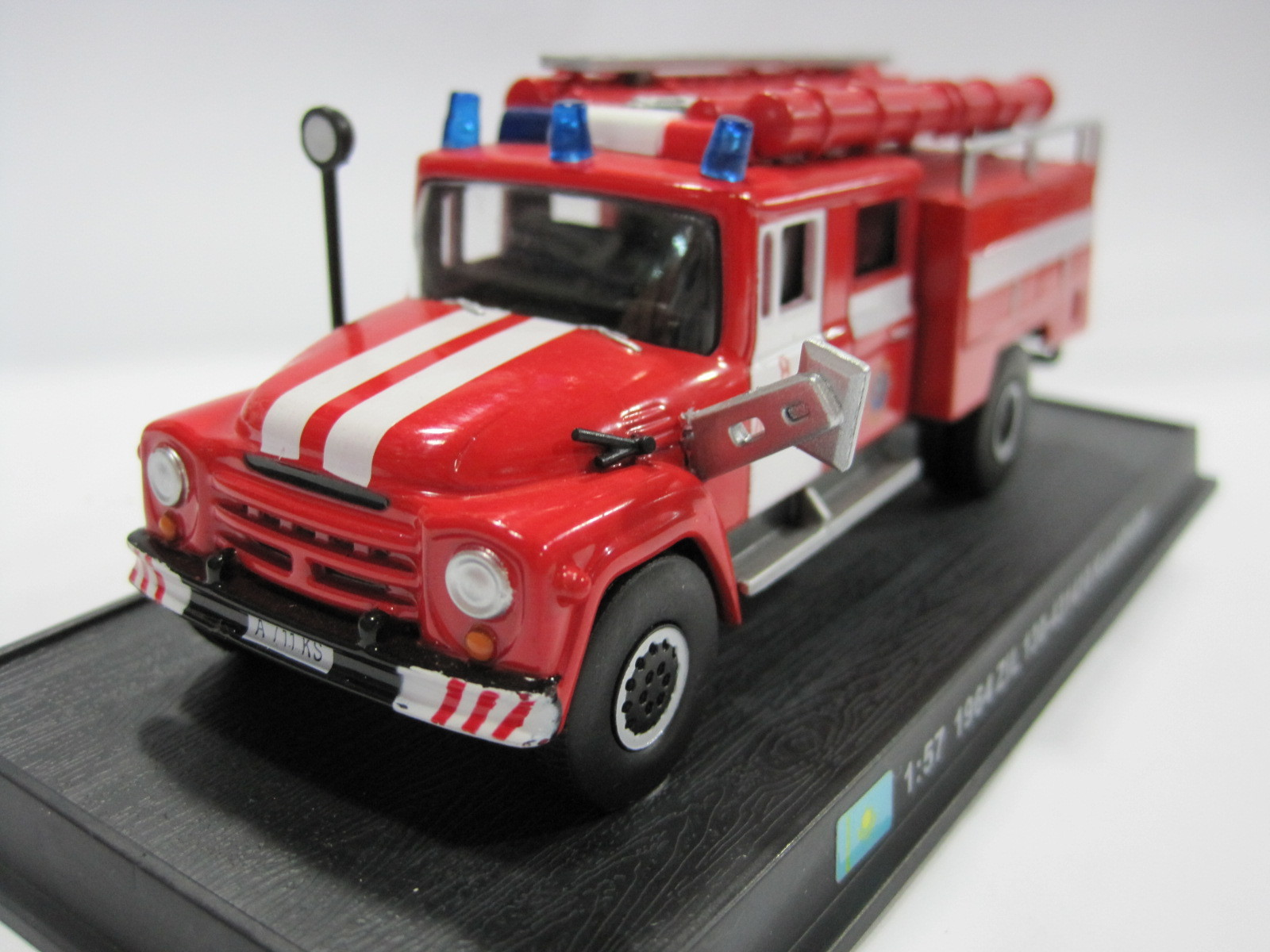 AMER 1/57 Scale 1964 ZiL 130-431410 Kazakhstan Fire Engine Diecast Metal Car Model Toy F ...