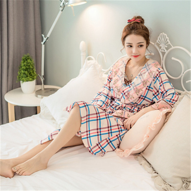 2017 Spring and Autumn winter new plaid sexy nightgown two-piece home pajamas
