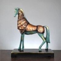 Горячая Европейский лошадь украшения Изделия из смолы украшения дома ретро Гостиная Офис Бар украшения рабочего Стола Подарок 31*12*37 см