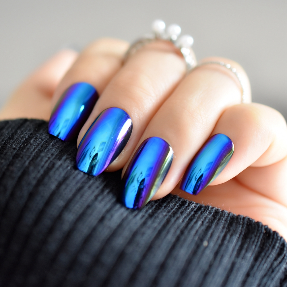 super holographice coffin nails