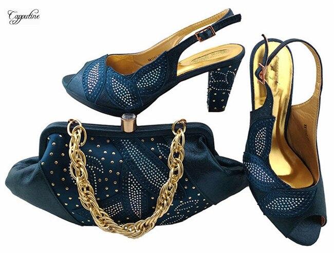 Последние темно-синие туфли с сумкой модные африканские туфли-лодочки с Сумочка для вечерние mm1043, высота каблука 8 см