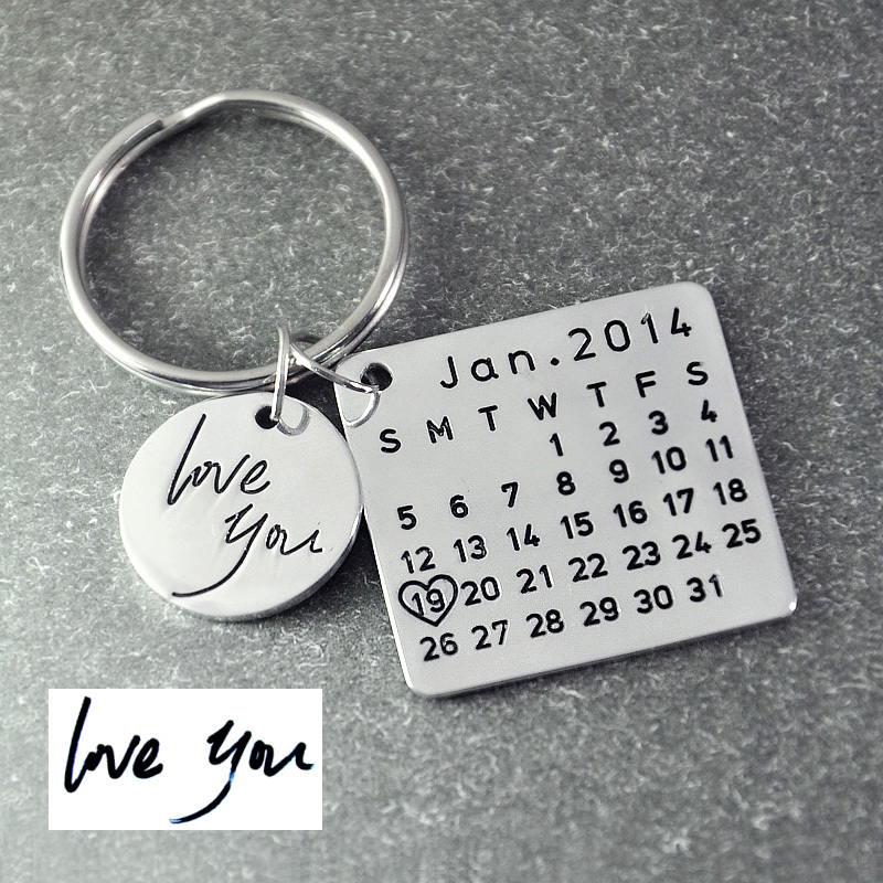 Vatertag Verkauf, Personalisierte Kalender Schlüsselbund, Unterschrift kalender schlüsselanhänger Hand Gestempelt Kalender, datum hervorgehoben mit herz