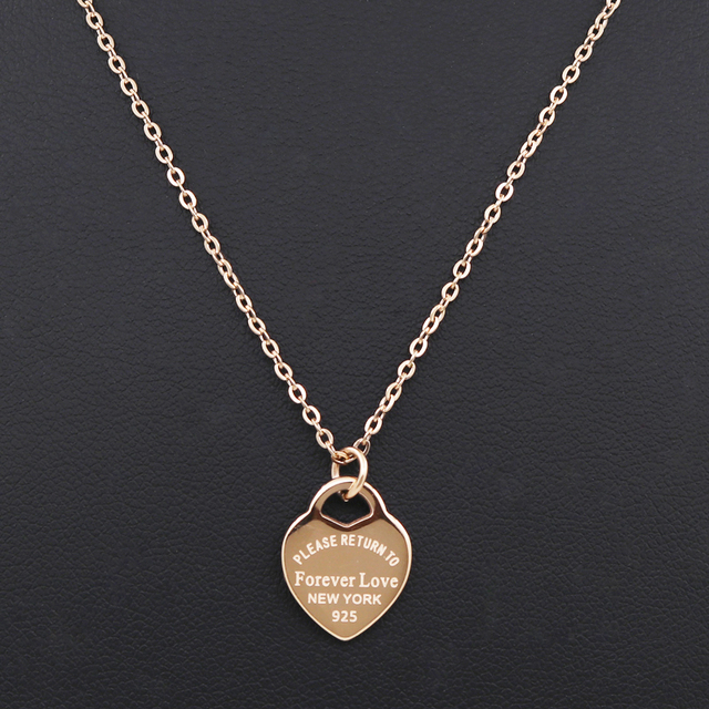 Luxury Fashion Famous Brand Amore Collana Donne Collana comma clavicola Oro Della Pesca Del Cuore Pendente Collana di Gioielli Multa