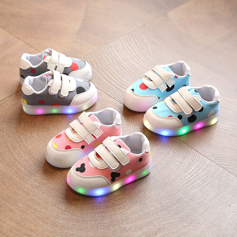 2017 new children s shoes boys and girls colorful light shoes LED lights children s shoes