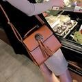 2017 nova moda Mulheres Pequeno saco Crossbody Saco Preto Acolchoado Flap Shoulder Bag Mulheres Mensageiro Saco Cadeia de Borla