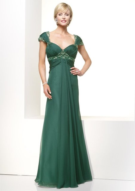 A Line V Neck Mother Of The Bride Dress Green Emerald Chiffon Lace Evening