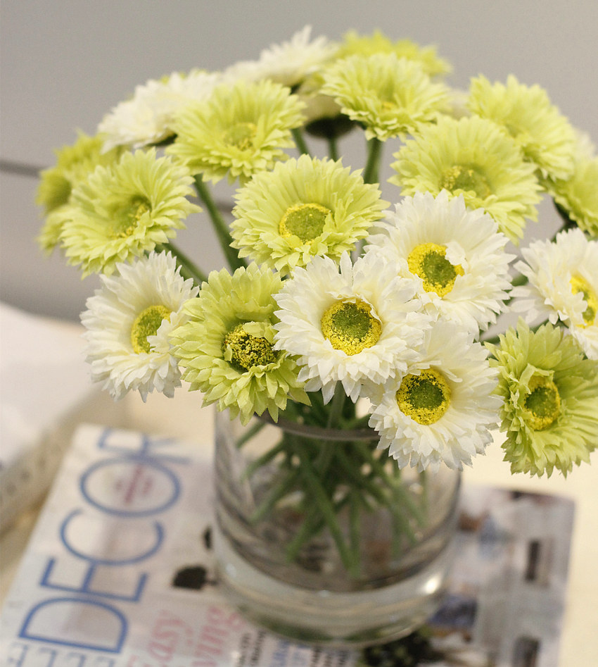 Mylb 10pcslot little daisy flower simulation flower artificial flowers for home decoration wedding bouquets free shipping in artificial dried mylb 10pcslot little daisy flower simulation flower artificial flowers for home decoration wedding bouquets free