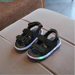 931e8a120 2018 новый бренд модные мягкие светящиеся Детские сандалии обувь для  мальчиков и девочек на плоской подошве