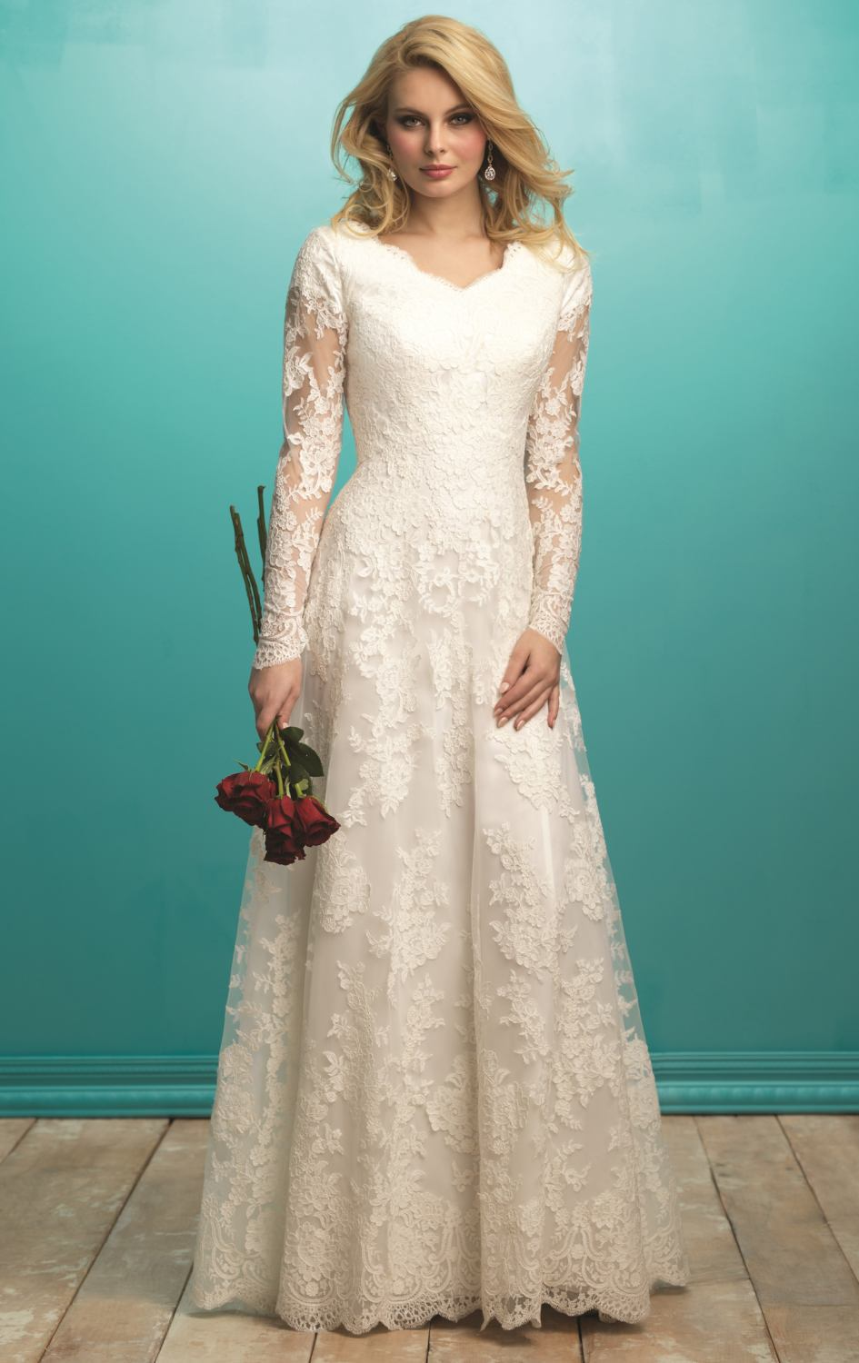 Women New Design 2015 Lace Full Sleeved Wedding Gown Long Tail A ...