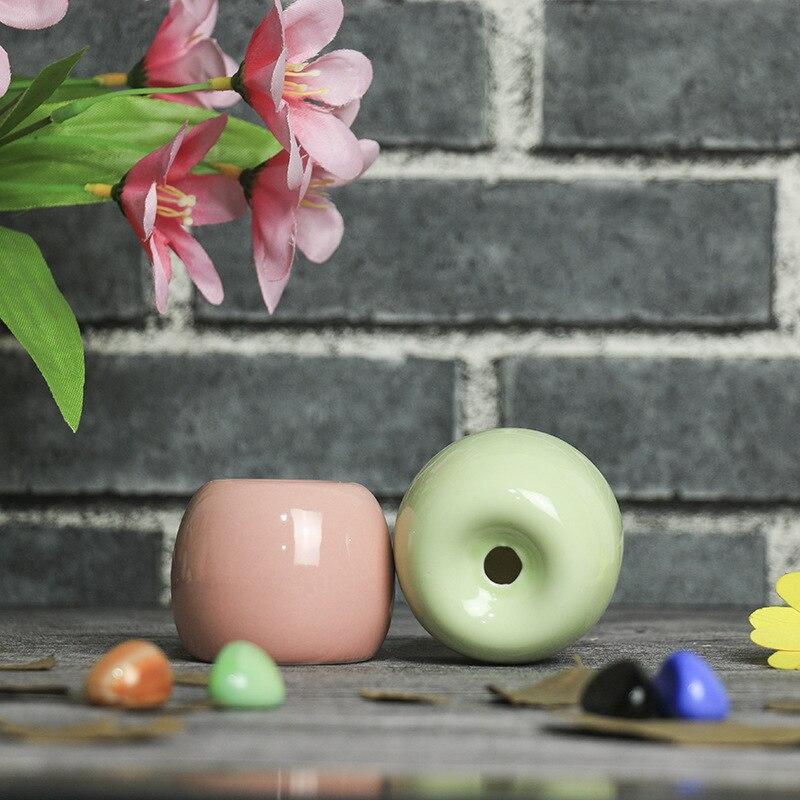 Современный минималистский цилиндрический Керамика ваза дома Гостиная Office для настольных Украшения 4 цвета доступны 4.5*4.5*5.5 см