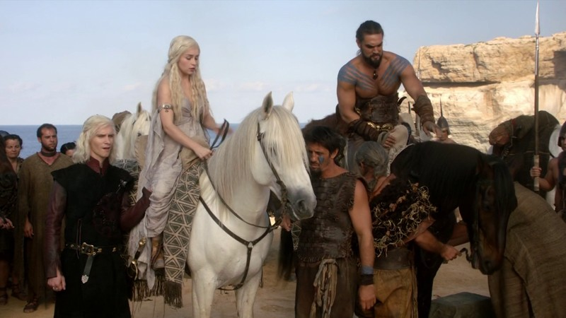 Daenerys-Targaryen-1x01-Winter-is-Coming-daenerys-targaryen-34831762-1280-720