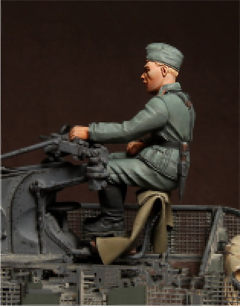 pre order-Resin toys   German antiaircraft gunner  Free shipping  Quality products resin assembly kits 1 9 200mm police girl 200mm unpainted kit resin model free shipping