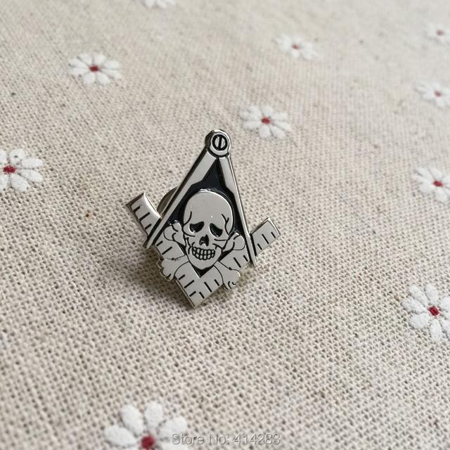 100pcs Factory Customized Skull Crossbones Square and Compass Lapel Pin  Widows Son Masonic Lapel Pin Brooches Masonry Badges 7f5244709afb