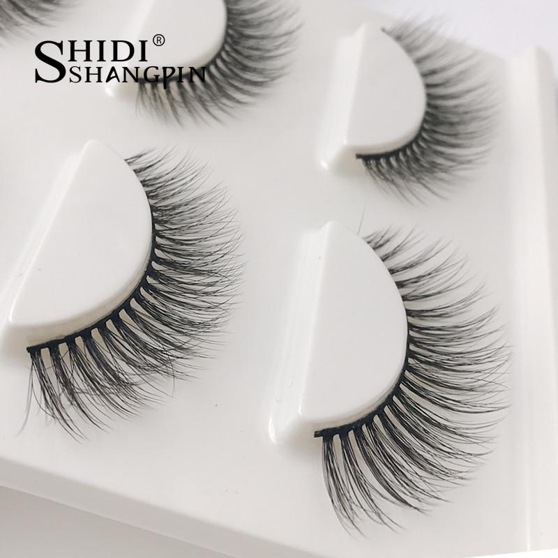 how to put on strip eyelashes