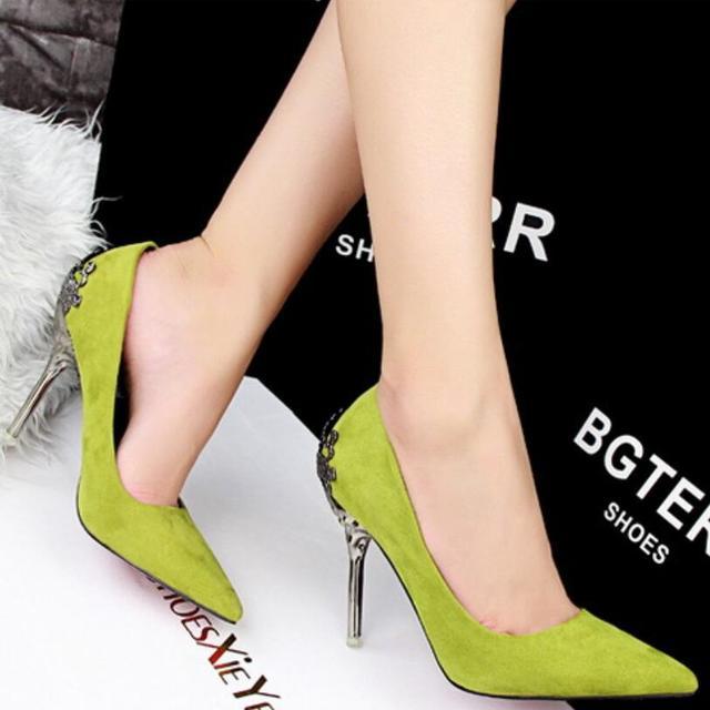 {D & H} Marca Elegantes Sapatos de Senhora de Salto Alto Mulheres Bombas Escultura Salto Fino Dedo Apontado Partido Salto Alto sapatos de Mulher de Ouro Sliver